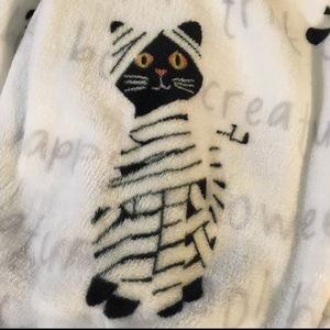 Other - Mummy Cat Throw blanket